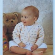 WENDY PETER PAN KNITTING PATTERN LEAFLET P692 4 PLY BABY'S STRIPED BOLERO