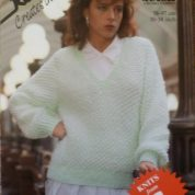ROBIN KNITTING PATTERN LEAFLET13936 PRETTY QUICK CHUNKY FASHION SWEATER